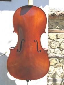Cello-Moontagnana-1740-1