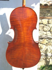 Cello-Moontagnana-1740-2