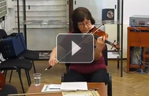 Playing violin Il Cannone