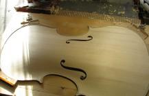 Haciendo un violonchelo